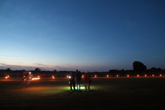 005Nachtflug_Volksfestfliegen