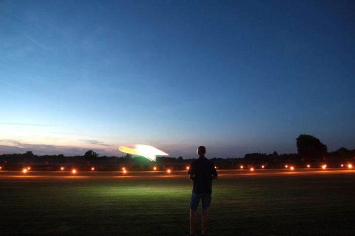 006Nachtflug_Volksfestfliegen